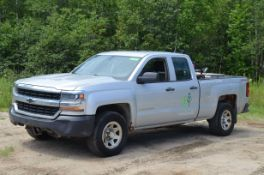 CHEVROLET (2015) SILVERADO 1500 LT EXTENDED CAB FOUR DOOR PICKUP TRUCK WITH 5.3LITER V8 GAS