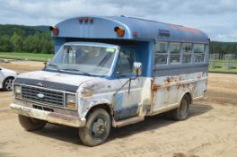 FORD (1984) ECONOLINE 350 (11) PASSENGER BUS WITH 5.8LITER GAS ENGINE, AUTOMATIC TRANSMISSION,