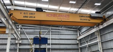 KONE (2014) 50 TON CAPACITY TOP RUNNING DOUBLE GIRDER OVERHEAD BRIDGE CRANE WITH (2) KONE 25 TON