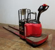 RAYMOND (2011) 8400 24V ELECTRIC RIDE-ON PALLET JACK WITH 8000 LB. CAPACITY, 5622 HRS (RECORDED AT
