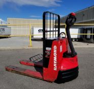 RAYMOND (2004) F40L 24V ELECTRIC WALK-BEHIND PALLET JACK WITH APPROX. 5500 LB. CAPACITY, 1014 HRS (