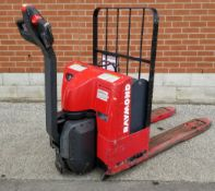 RAYMOND (2002) F40L 24V ELECTRIC WALK-BEHIND PALLET JACK WITH APPROX. 5500 LB. CAPACITY, 587 HRS (