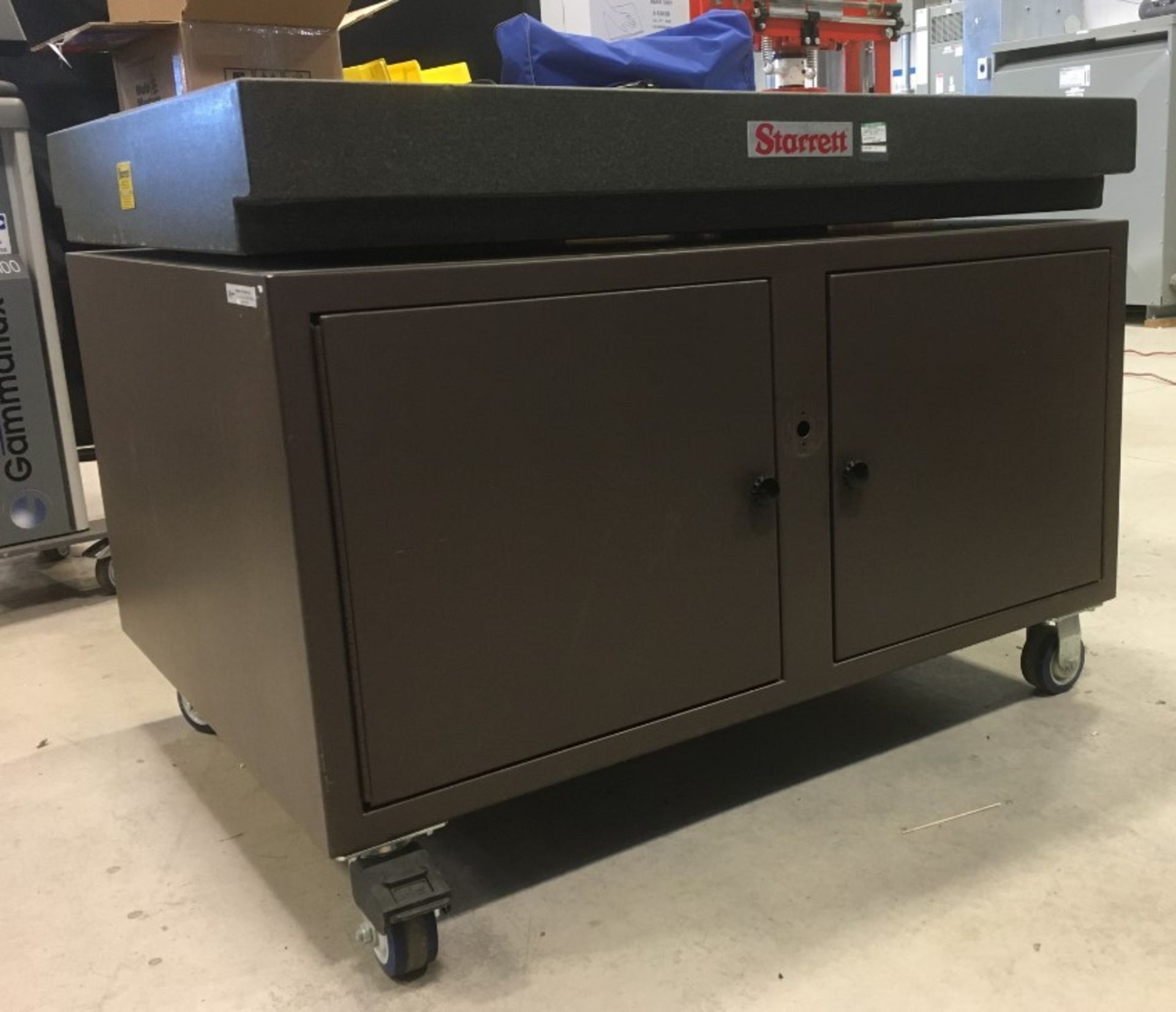STARRETT 48ÓX36ÓX35ÓH GRANITE SURFACE PLATE WITH ROLLING STAND [RIGGING FEES FOR LOT# 10A - $50 - Image 2 of 3