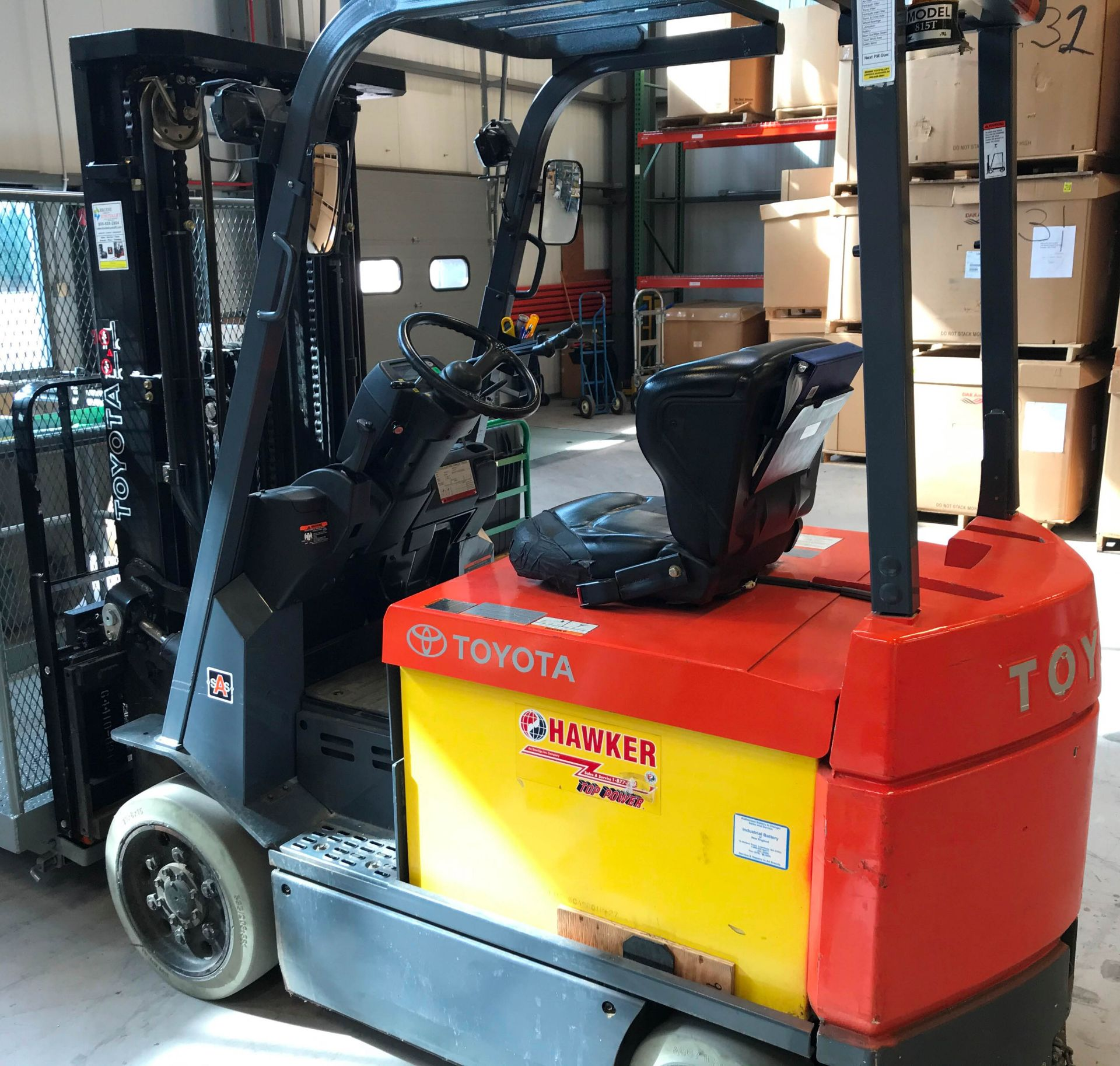"TOYOTA 7FBCU32 36V ELECTRIC FORKLIFT WITH 5700 LB. CAPACITY, 187"" MAX. VERTICAL LIFT, SIDE SHIFT,"