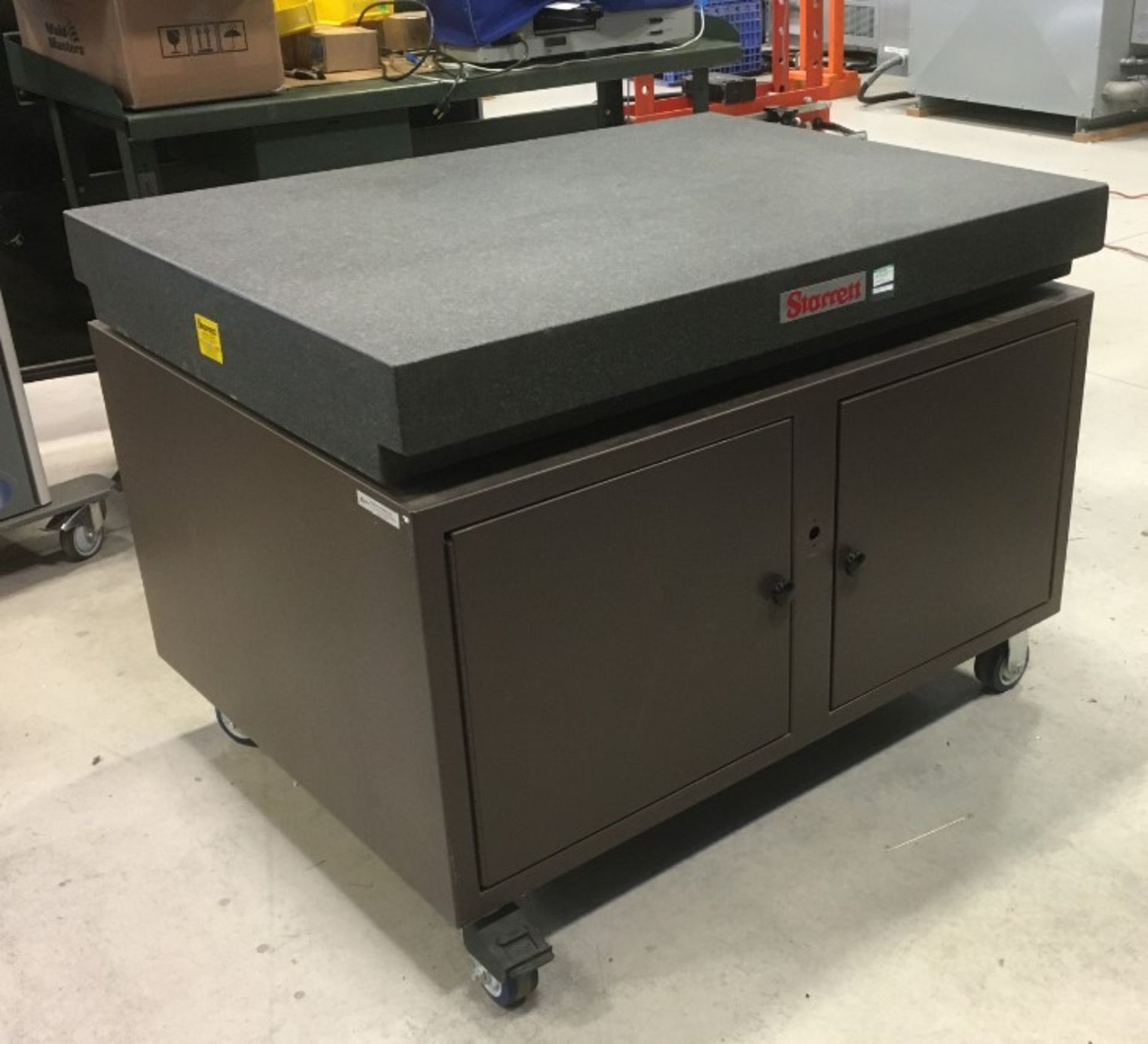 STARRETT 48ÓX36ÓX35ÓH GRANITE SURFACE PLATE WITH ROLLING STAND [RIGGING FEES FOR LOT# 10A - $50