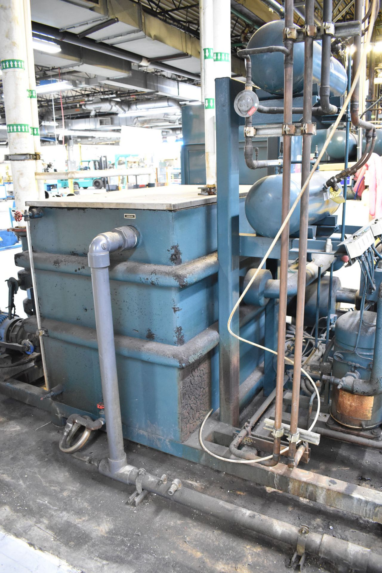 BERG AZ-30-2/1-3P-R SKID MOUNTED INDUSTRIAL CHILLER WITH 30 TON CAPACITY, 55 HP, BERG SC6 TOUCH- - Image 5 of 6