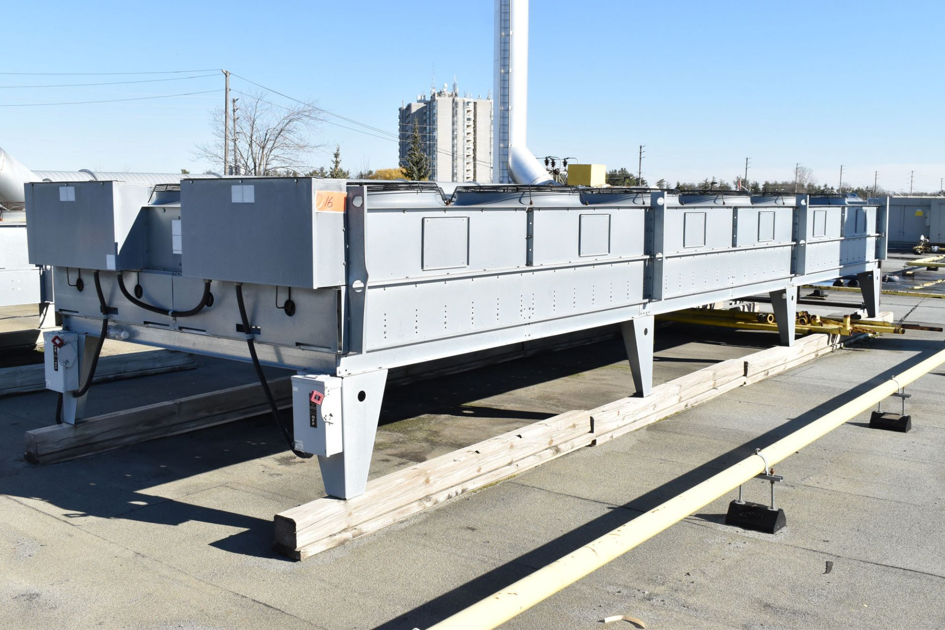 BERG AQR-160-2/2 SKID-MOUNTED INDUSTRIAL CHILLER WITH 160 TON CAPACITY, 178 HP, BERG SC6 TOUCH- - Image 7 of 13