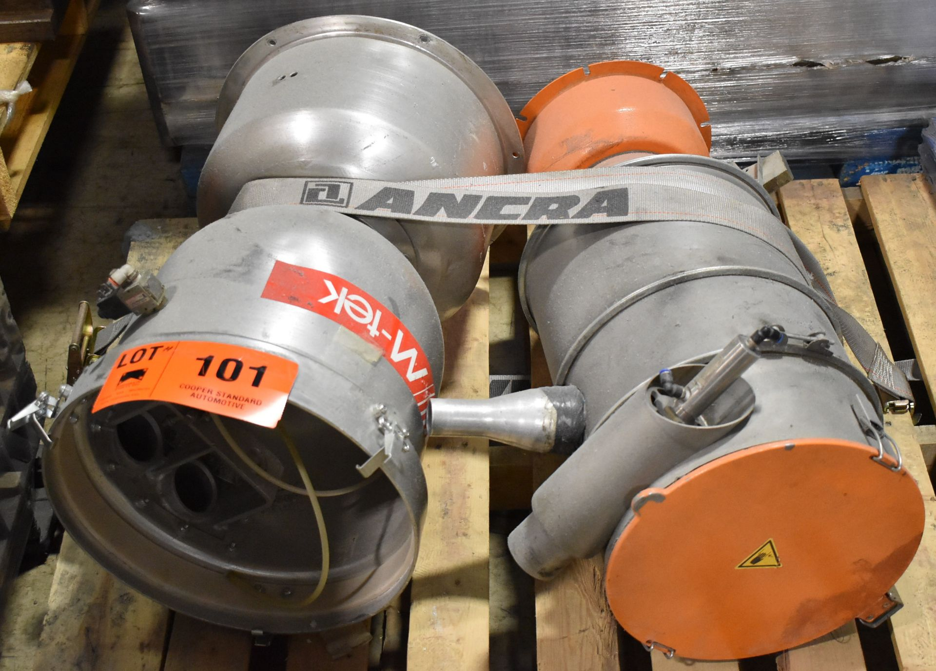 LOT/ MOULD-TEK & MOTAN MATERIAL HOPPERS (LOCATED IN BRAMPTON, ON) [RIGGING FEES FOR LOT #101 - $25