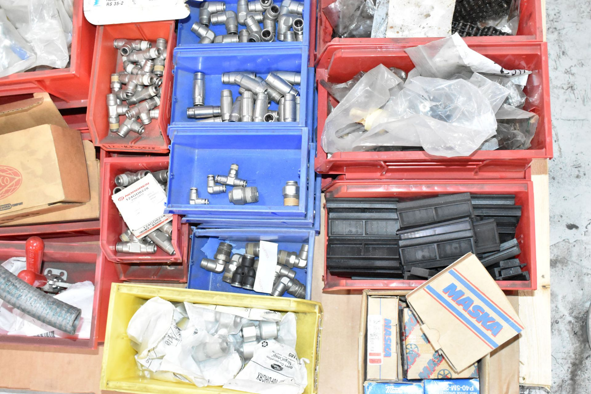 LOT/ PALLET WITH CONTENTS CONSISTING OF HARDWARE, FITTINGS, AND EXTRUDER LINE COMPONENTS [RIGGING - Image 3 of 3