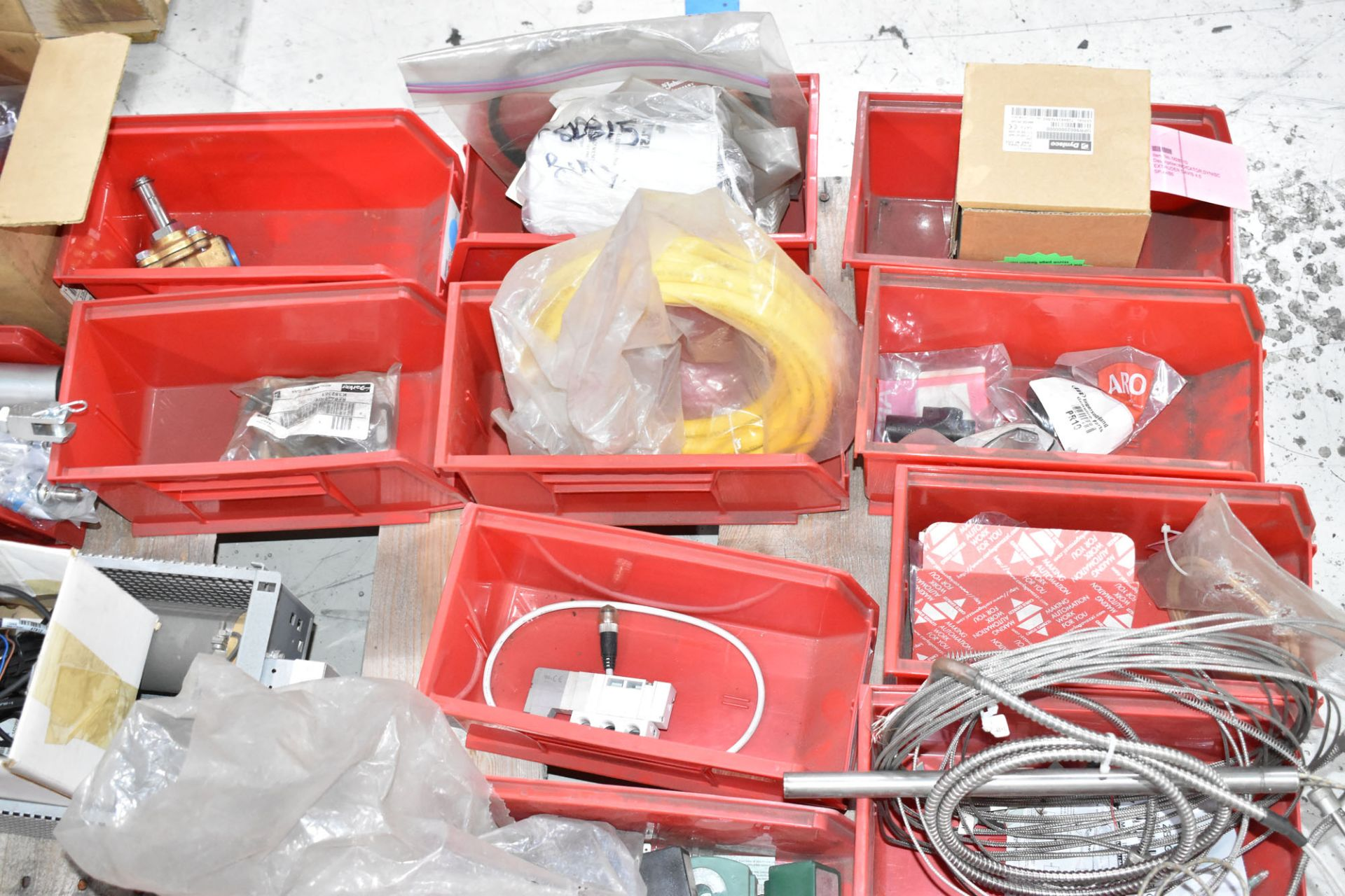 LOT/ PALLET WITH CONTENTS CONSISTING OF BEARINGS, CYLINDERS, AND EXTRUDER LINE COMPONENTS - Image 5 of 5