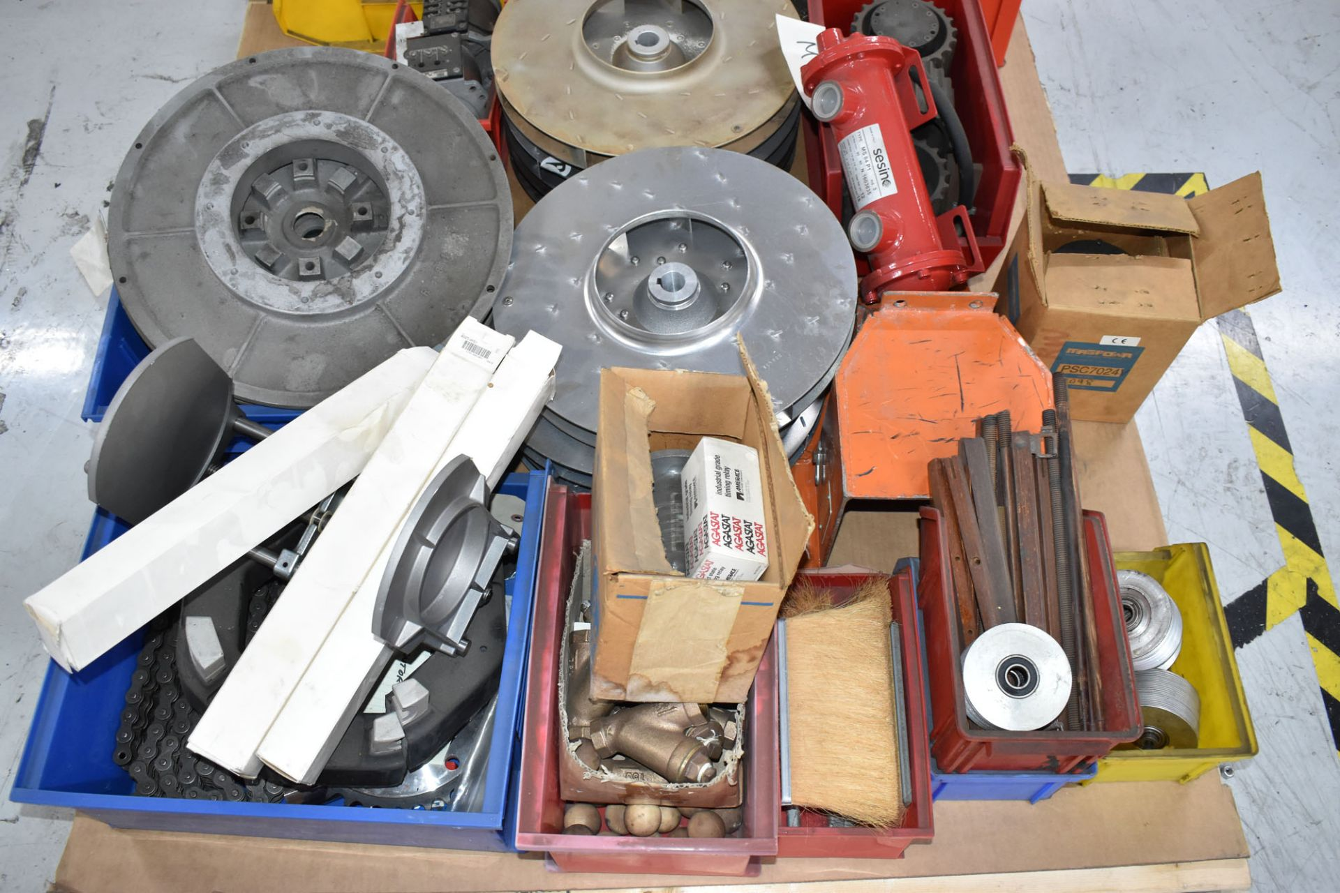 LOT/ PALLET WITH CONTENTS CONSISTING OF REELS, CHAIN, AND EXTRUDER LINE COMPONENTS - Image 2 of 3