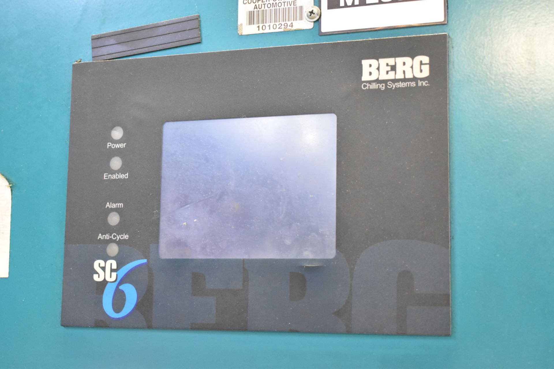 BERG AZ-30-2/1-3P-R SKID MOUNTED INDUSTRIAL CHILLER WITH 30 TON CAPACITY, 55 HP, BERG SC6 TOUCH- - Image 2 of 6