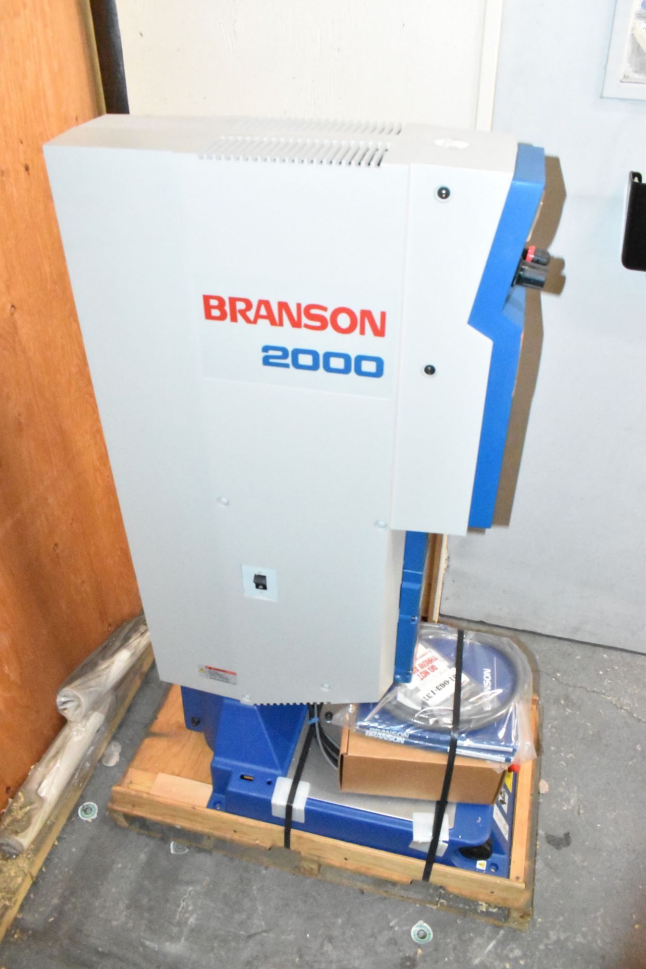BRANSON (2006) 2000IW INTEGRATED ULTRASONIC PLASTIC WELDER WITH 1200W, S/N: WLA06046695 (BRAND - Image 2 of 6