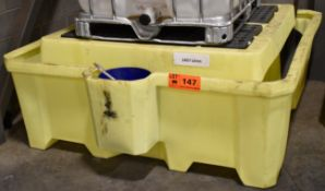 LOT/ SPILL TRAYS, DRUM TRAY & SPILL KIT (NO CHEMICALS, OR LUBRICANTS) [RIGGING FEES FOR LOT #