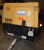 SULLAIR 225H SINGLE AXLE TOW-BEHIND ROTARY SCREW AIR COMPRESSOR WITH 225 CFM, 150 PSIG, CAT C3.4