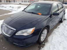 CHRYSLER (2013) 200 WITH 2.4 L 4 CYLINDER ENGINE, AUTOMATIC TRANSMISSION, POWER WINDOWS, POWER