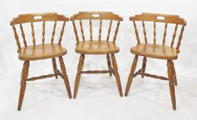 Four spindleback dining chairs on turned supports and turned stretcher (4)