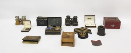 Assortment of collectable items to include binoculars, cloth badges, boxes, cases, cufflinks,