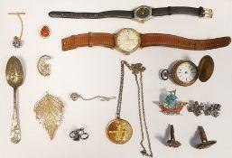Quantity of sundry costume jewellery