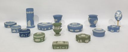 Large quantity of Wedgwood Jasperware trinket boxes, heart shaped and other pin trays, small