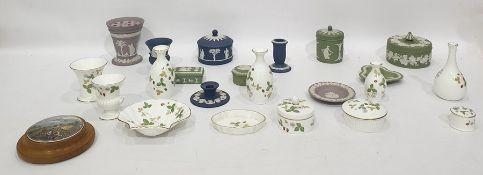"Quantity of Wedgwood china trinketware ""Wild Strawberry "" pattern, quantity Wedgwood Jasperware"