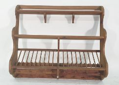 Pine wall-hanging platerack