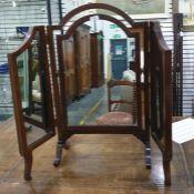 Three-part dressing table mirror