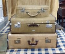 3 Vintage suitcase in cream , 2 by Overpond (3)
