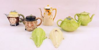 20th century items to include coffee pots, Beswick teapots, etc (7)