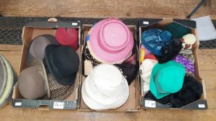 Quantity of vintage hats including gentleman's bowlers, etc (3 boxes)