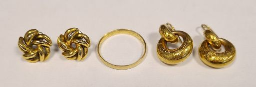 9ct gold wedding ring, approx 2g (worn) and two pairs of gold-coloured earrings