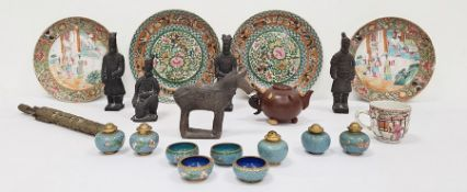 Pair of Chinese Canton porcelain platesin famille rose colours, pair of Chinese porcelain plates