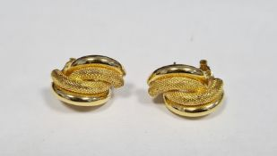 Pair 18K gold earrings, mesh and plain pattern overlapping twin crescents, approx 6.5g