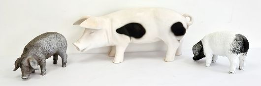 Three resin figures of pigs (3)