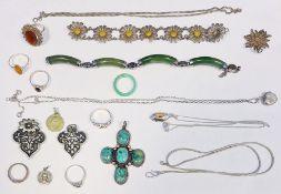 Collection of white metal jewelleryto include bracelet, rings, cross pendant, etc