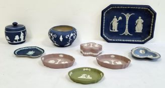 Collection of blue and white Wedgwood jasperware to include trinket dishes, pot and cover, a