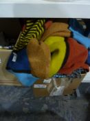 Assorted textiles,a large woollen blanketand assorted ceramics (2 boxes)