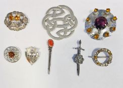 Collection of Scottish costume jewelleryto include various kilt brooches, etc