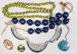 Cameo pendantin 9ct gold mount and a large collection of costume jewelleryto include beads,