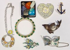Large quantity of costume jewelleryto include beads, simulated pearls, bangles, rings, pendants,