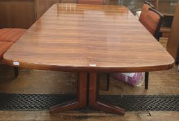Circa 1970 Martin Hall for Gordon Russell 'Marlow' Brazilian rosewood extending dining tablewith