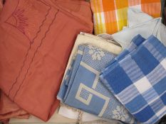 Large quantity of table linenand bed linen