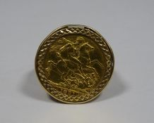 9ct gold sovereign ring set Victorian sovereign 1891 in scroll mount, 14.8g approx in total