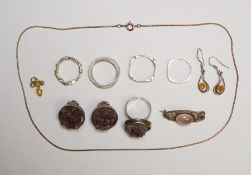 Silver rings, silver brooch, silver ringwith amethyst rock and matching studsandother silver