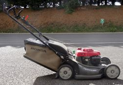 Honda HRX537 hydrostatic rotary lawnmower with an easy-start GCV190 engine with service record