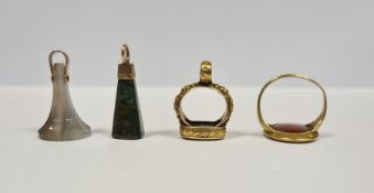 Georgian gold gentleman's seal ring inset oval cornelian intaglio carved with portrait bust of a