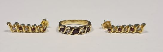 14ct gold, diamond and ruby(?) five-stone ring, marked 14ct and a pair of matching drop earrings