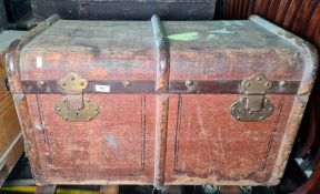 Wood-bound and metal canvas travelling trunk  Condition Report75 x 47 x 44 cm (WDH)