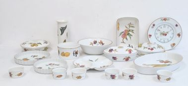 Royal Worcester porcelain oven to tableware to include bowls, tureen and cover, plates, etc '