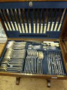 Oak canteen of Mappin & Webb electroplated cutlery, 76 pieces